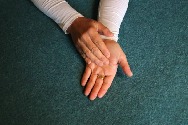 DIE FINGER - Anwendung Handinnenfläche